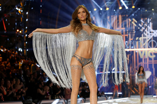 Model Josephine Skriver presents a creation during the 2016 Victoria's Secret Fashion Show at the Grand Palais in Paris, France, November 30, 2016. (Photo by Charles Platiau/Reuters)
