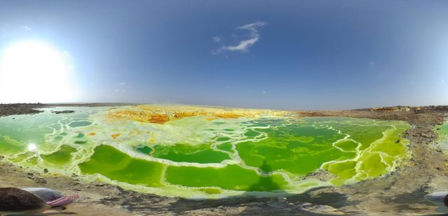 A sulphur lake is pictured in the Danakil Depression on January 23, 2017 near Dallol, Ethiopia. (Photo by Carl Court/Getty Images)