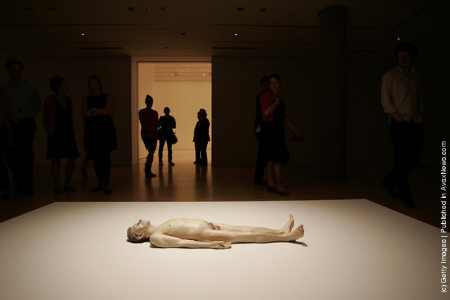 Dead Dad by Ron Mueck