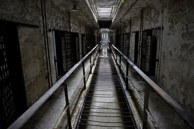 Rain falls onto block 14 of Eastern State Penitentiary in Philadelphia, Pennsylvania April 30, 2014. (Photo by Mark Makela/Reuters)