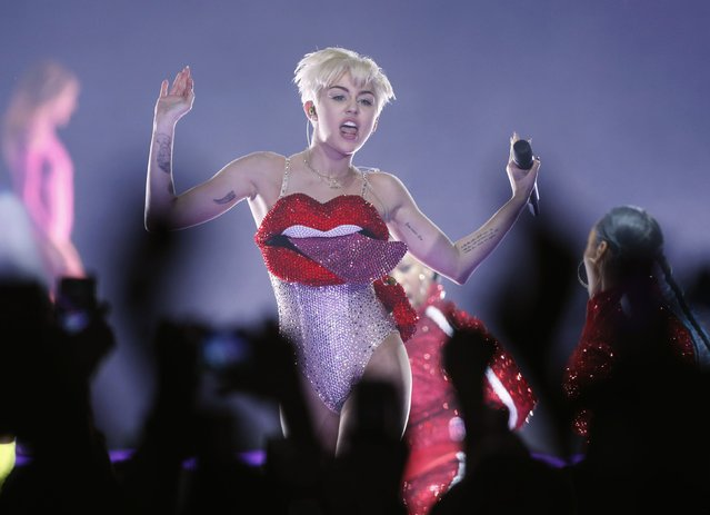 U.S. singer Miley Cyrus performs at the O2 Arena in central London May 6, 2014. (Photo by Olivia Harris/Reuters)