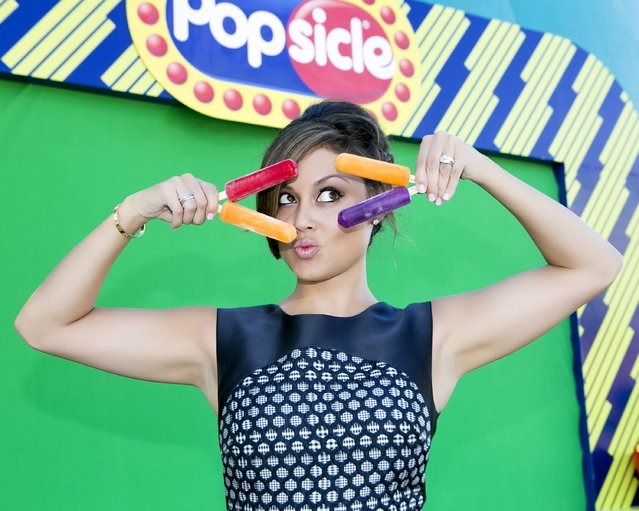 Actress and mom Vanessa Lachey cooled down with icy, refreshing Original Brand PopsicleAE pops at Nickelodeons Kids Choice Sports 2015 on July 16, 2015 in Los Angeles, California. (Photo by Gabriel Olsen/Getty Images for Unilever/Popsicle)