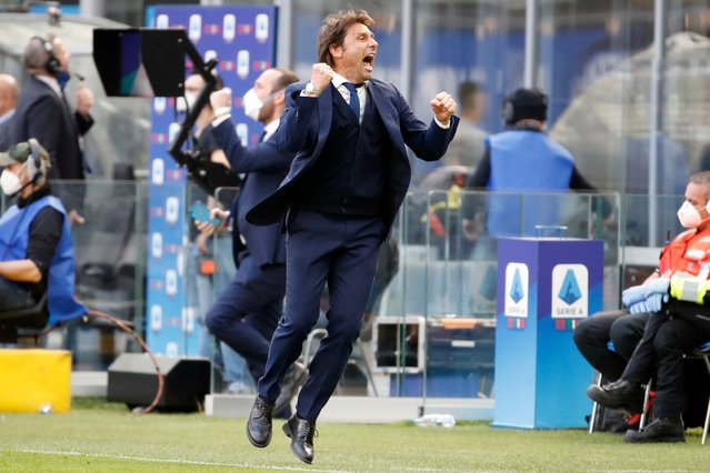 Inter Milan's head coach Antonio Conte celebrates his side's 1-0 win at the end of the Serie A soccer match between Inter Milan and Hellas Verona, at the San Siro stadium in Milan, Italy, Sunday, April 25, 2021. (Photo by Antonio Calanni/AP Photo)