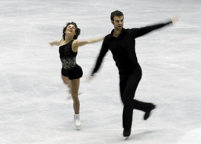 Meagan Duhamel and Eric Radford of Canada compete during the pairs free skating program at the ISU World Team Trophy in Figure Skating in Tokyo April 18, 2015. (Photo by Yuya Shino/Reuters)