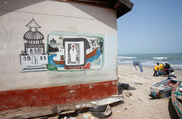 Graffiti is seen on a beach in Bakau, Gambia February 20, 2017. (Photo by Thierry Gouegnon/Reuters)