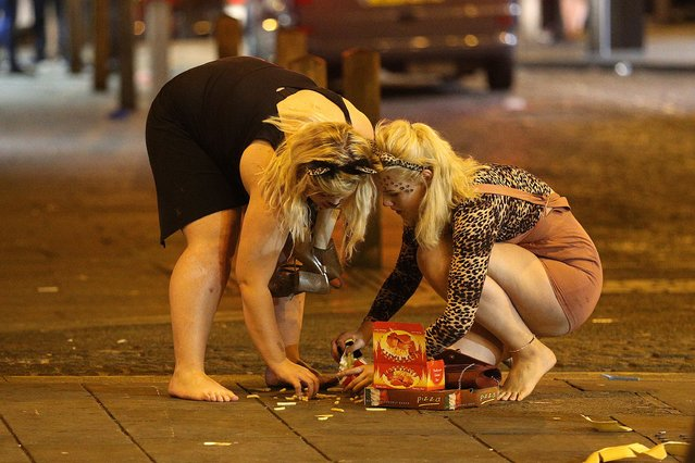 New students at Liverpool University have an accident with their chips after a night on the town in Liverpool, United Kingdom on September 20, 2016. (Photo by Paul Jacobs/FameFlynet UK)