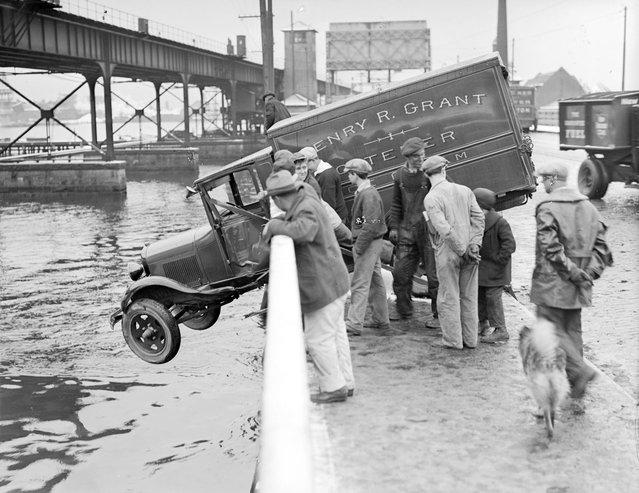 Mystic River, 1930. (Photo by Leslie Jones)