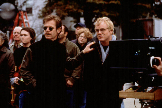 """""""State & Main"""", William H. Macy, Philip Seymour Hoffman, 2000. (Photo by Fine Line Features/Everett Collection)"""