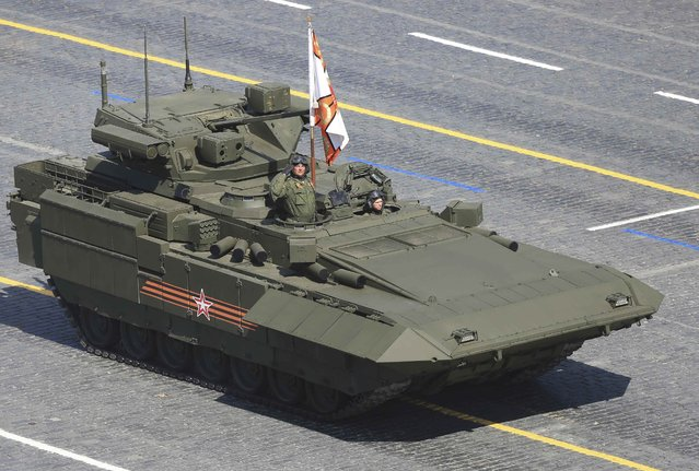Russian infantry fighting vehicle with the Armata Universal Combat Platform drives during the Victory Day parade at Red Square in Moscow, Russia, May 9, 2015. (Photo by Reuters/Host Photo Agency/RIA Novosti)