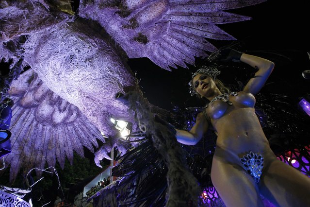 Members of the Samba school Grande Rio perform during the first day of the parade in the sambodromo in the carnival of Rio de Janeiro, Brazil, 02 March 2014. (Photo by Marcelo Sayao/EPA)