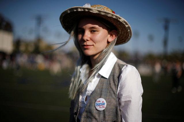 Devon Slack, 16, waits for U.S. Democratic presidential candidate Bernie Sanders to speak in Santa Monica, California, U.S., May 23, 2016. (Photo by Lucy Nicholson/Reuters)