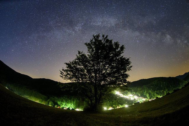 In this Thursday, June 15, 2017 photo the Milky Way is seen on the summer night sky from the vicinity of Repashuta, some 170 kms northeast of Budapest, Hungary. (Photo by Peter Komka/MTI via AP Photo)