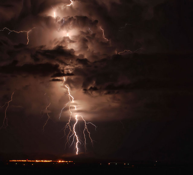 Taken on 19 October, 2009. Lightning Outside Douglas, Arizona