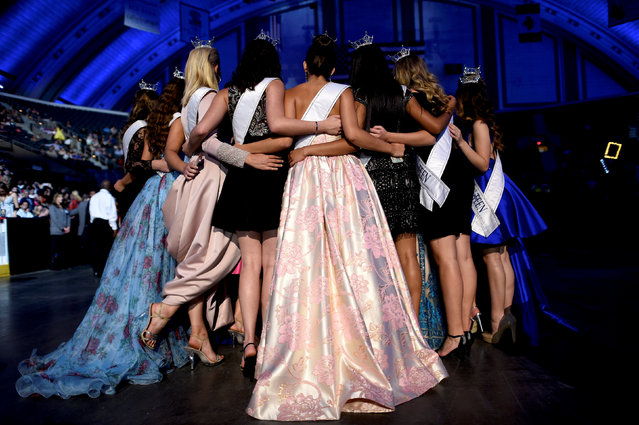 Miss America's Outstanding Teen winners embrace before the 97th Miss America Competition in Atlantic City, New Jersey U.S. September 10, 2017. (Photo by Mark Makela/Reuters)