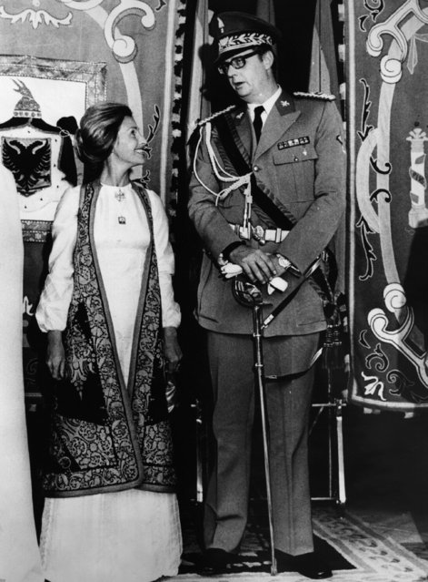 Six foot nine inch tall King Leka, the exiled would-be monarch of then-communist Albania, at his wedding to Miss Susan Cullen-Ward at a roadhouse near Toledo, 14th October 1975. (Photo by Central Press/Getty Images)