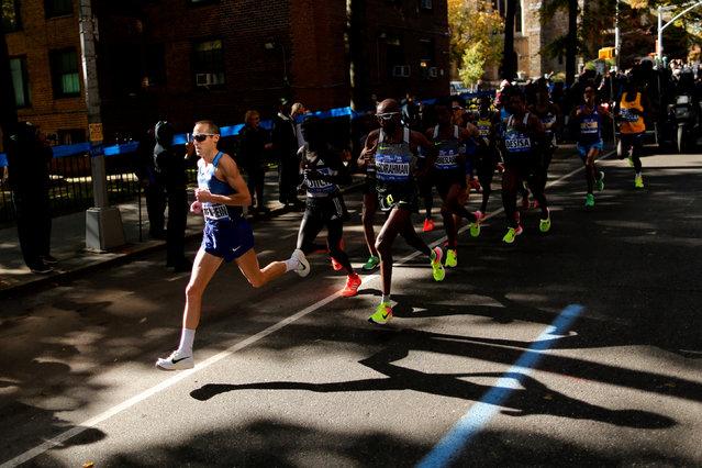Men leading pack during the 2016 New York City Marathon in the Brooklyn borough of New York City, U.S., November 6, 2016. (Photo by Eduardo Munoz/Reuters)