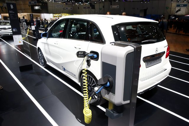 A Mercedes-Benz B-class Electric Drive is seen during the first press day ahead of the 85th International Motor Show in Geneva March 3, 2015. REUTERS/Arnd Wiegmann