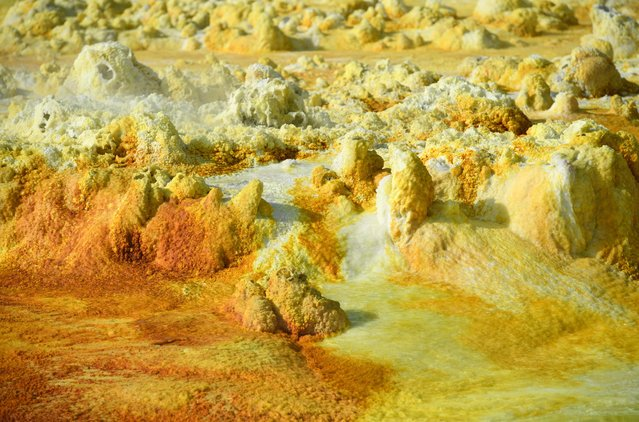 Part of a sulphur spring is pictured in the Danakil Depression on January 23, 2017 near Dallol, Ethiopia. (Photo by Carl Court/Getty Images)