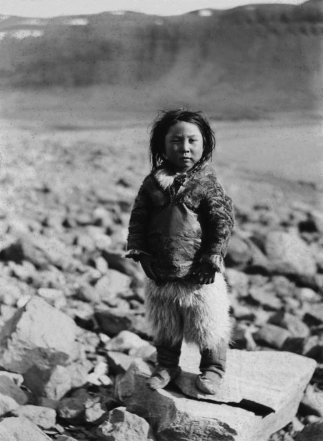 Scene is in Greenland, off Canada and at Cape York, with a young native, circa 1927. (Photo by Bettmann Collection)