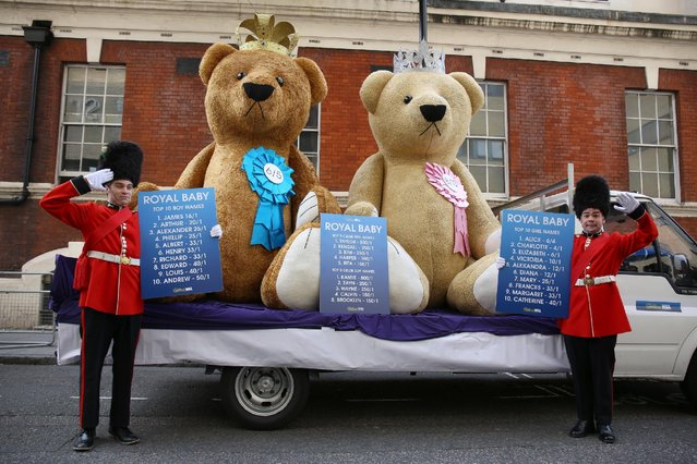 Baby name publicity stunt outside The Lindo Wing at St Mary's Hospital on May 1, 2015 in London, England. (Photo by Neil P. Mockford/Getty Images)