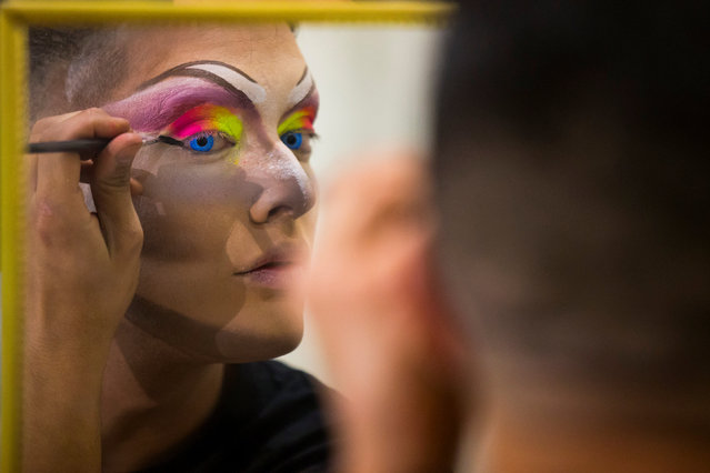A participant prepares to perform in a drag queen competition during carnival festivities in Las Palmas, on the Spanish Canary Island of Gran Canaria, February 27, 2017. (Photo by Borja Suarez/Reuters)