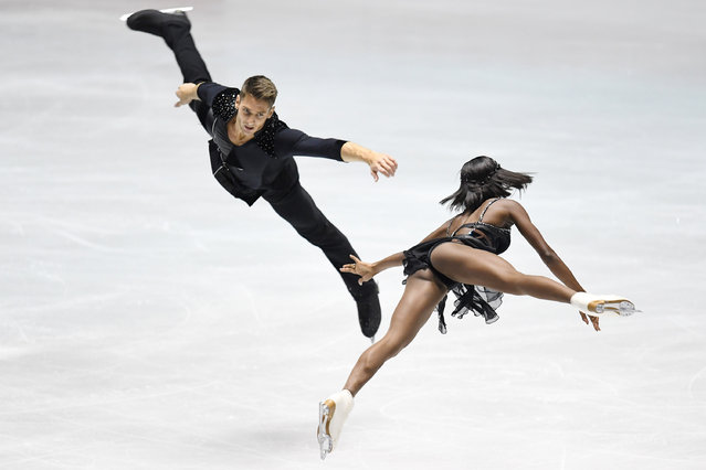 Vanessa James and Morgan Cipres of France compete in the Pairs short program during the 2nd day of the ISU World Team Trophy 2017 on April 21, 2017 in Tokyo, Japan. (Photo by Atsushi Tomura – ISU/ISU via Getty Images)
