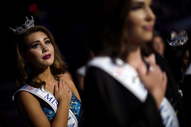 Miss Outstanding Alabama Teen Lauren Bradford stands for the National Anthem before the 97th Miss America Competition in Atlantic City, New Jersey U.S. September 10, 2017. (Photo by Mark Makela/Reuters)