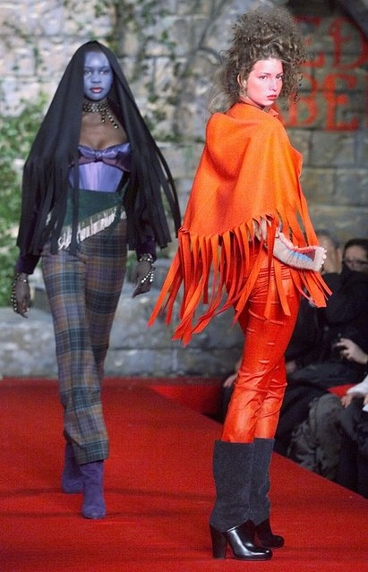 Ivanka Trump (R) daughter of Donald Trump, models during the showing of the Vivienne Westwood 1999 Fall/Winter collection at Bryant Park in New York 16 February. (Photo by Timothy A. Clary/AFP Photo)