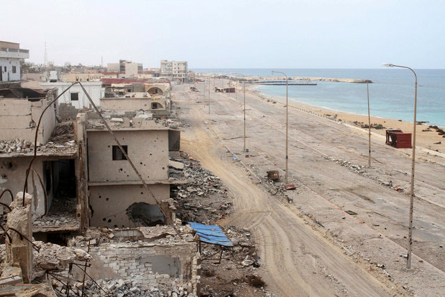A view shows houses that were destroyed during a battle between fighters of Libyan forces allied with the U.N.-backed government and Islamic State militants in Sirte, Libya October 28, 2016. (Photo by Hani Amara/Reuters)
