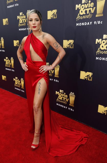 Singer Halsey attends the 2018 MTV Movie And TV Awards at Barker Hangar on June 16, 2018 in Santa Monica, California. (Photo by Mario Anzuoni/Reuters)