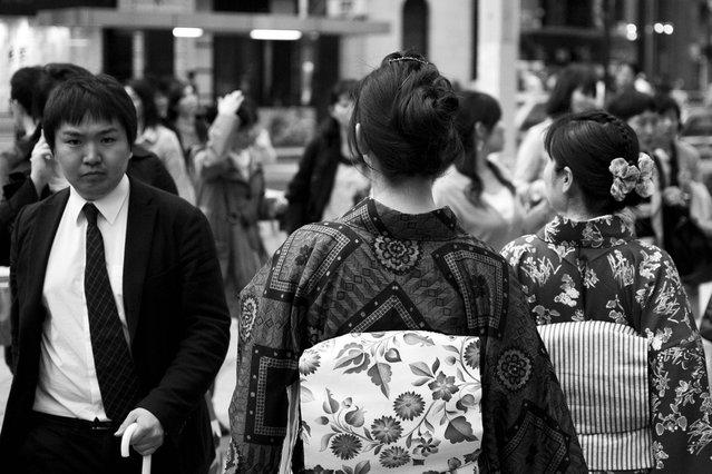 People in Ginza, 2011. (Davide Filippini)