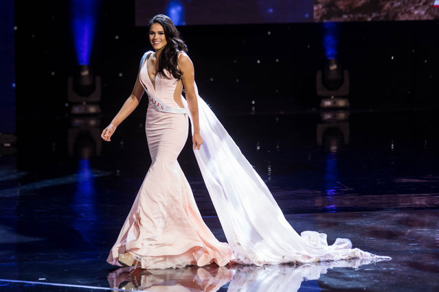Miss United States Audra Mari is pictured during the Grand Final of the Miss World 2016 pageant at the MGM National Harbor December 18, 2016 in Oxon Hill, Maryland. (Photo by Zach Gibson/AFP Photo)