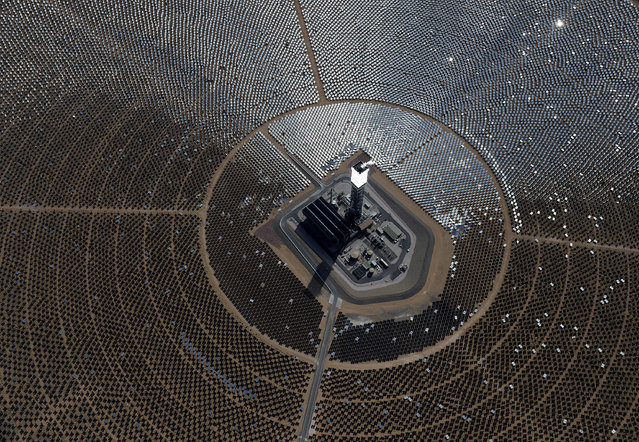 The Ivanpah Solar Electric Generating System is seen in an aerial view on February 20, 2014 in the Mojave Desert in California near Primm, Nevada. (Photo by Ethan Miller/Getty Images)