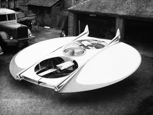 This aircraft, which was flown for the first time last month in France, is the flying saucer dream of Jean Grimaldi, a Normandy merry-go-round owner. It is equipped with two 28-horsepower motors which propel two horizontal and two vertical propellers, shown February 17, 1962. The craft can take off like a plane or like a helicopter and has a forward speed of nearly 200 miles an hour. (Photo by AP Photo)