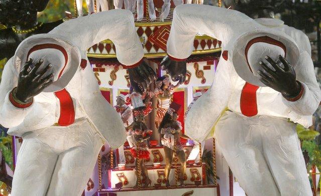 Revellers from the Viradouro samba school participates in the annual carnival parade in Rio de Janeiro's Sambadrome, February 15, 2015. (Photo by Ricardo Moraes/Reuters)