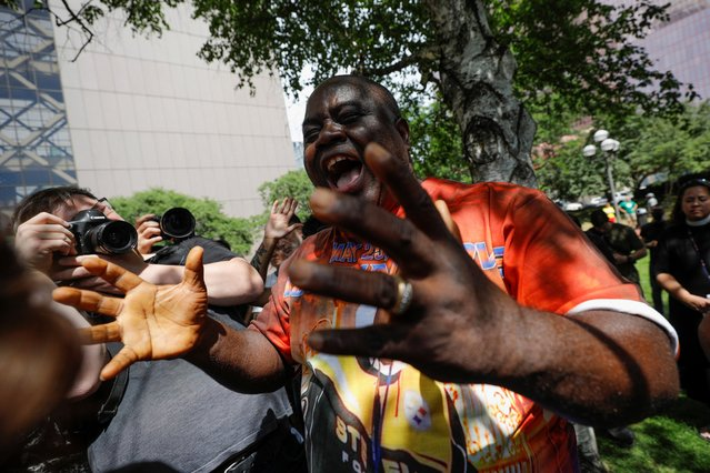 Bishop Harding Smith reacts outside Hennepin County Government Center after the sentence on former police officer Derek Chauvin who was convicted for murdering George Floyd, in Minneapolis, Minnesota, June 25, 2021. (Photo by Nicholas Pfosi/Reuters)