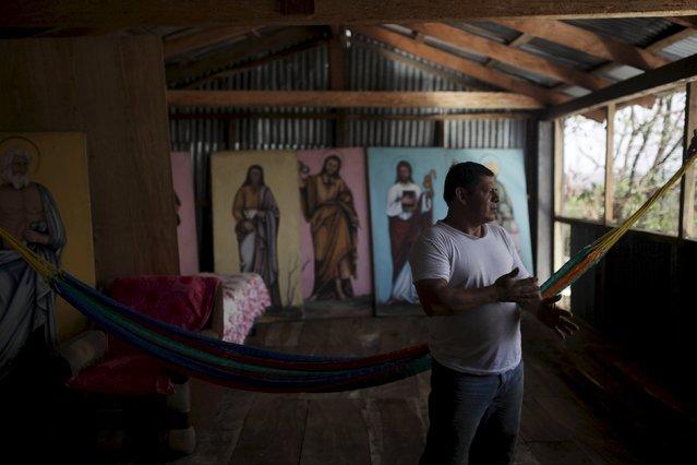 Jose Sabas Gomez rests in his workshop in Apastepeque, El Salvador March 9, 2016. (Photo by Jose Cabezas/Reuters)