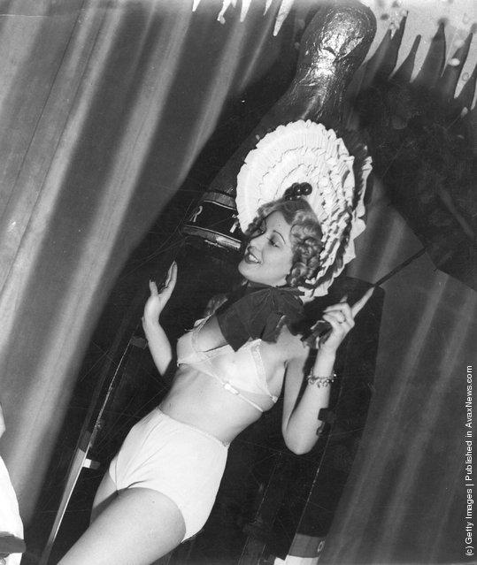Cabaret artiste Mary Barbour
