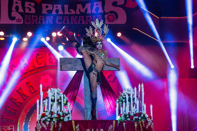Winner Drag Sethlas performs in a drag queen competition during carnival festivities in Las Palmas, on the Spanish Canary Island of Gran Canaria, February 27, 2017. (Photo by Borja Suarez/Reuters)