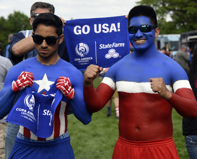 Fans of USA arrive to the stadium before a group A match between United States and Costa Rica at Soldier Field as part of Copa America Centenario US 2016 on June 07, 2016 in Chicago, Illinois, US. (Photo by David Banks/LatinContent/Getty Images)