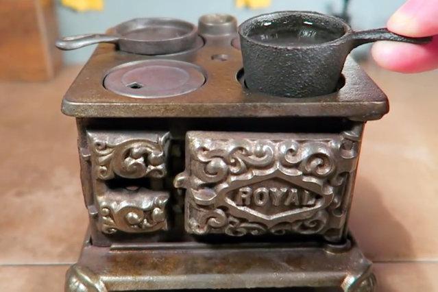 The tiny stove Jay uses to prepare the tiny food. (Photo by Jay Baron/Caters News)