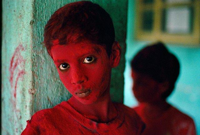 Red Boy, Holi Festival, Mumbai (Bombay), India, 1996. (Photo by Steve McCurry)