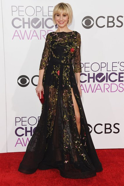 Chelsea Kane arrives at the People's Choice Awards at the Microsoft Theater on Wednesday, January 18, 2017, in Los Angeles. (Photo by Jordan Strauss/Invision/AP Photo)