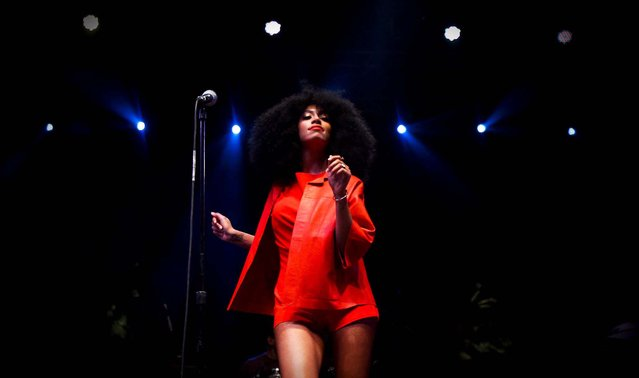Solange performs on the Gobi stage. (Photo by Bethany Mollenkof/Los Angeles Times/MCT)