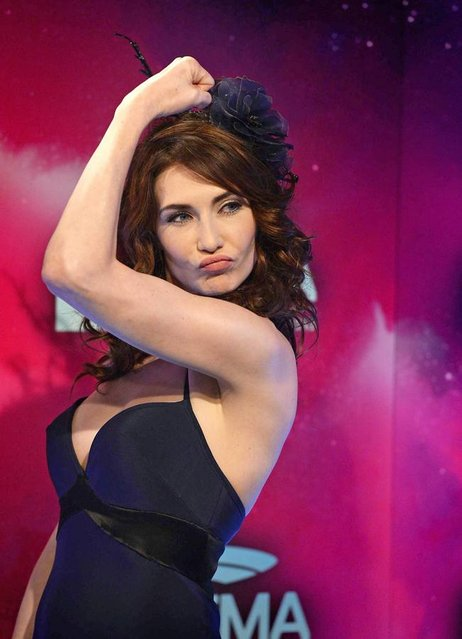 Dutch actress Carice van Houten arrives at the MTV Europe Music Awards (EMA) 2013 held at the Ziggo Dome in Amsterdam, The Netherlands, 10 November 2013. (Photo by Robin van Lonkhuijsen/EPA/EFE)