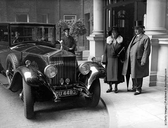 1930: The new Lord Mayor of London Sir William P Neal with his wife
