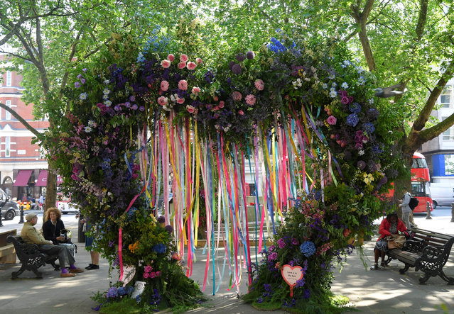 A floral display and design is seen in a public square as part of the Chelsea In Bloom festival in London, Britain on May 22, 2018. (Photo by Toby Melville/Reuters)