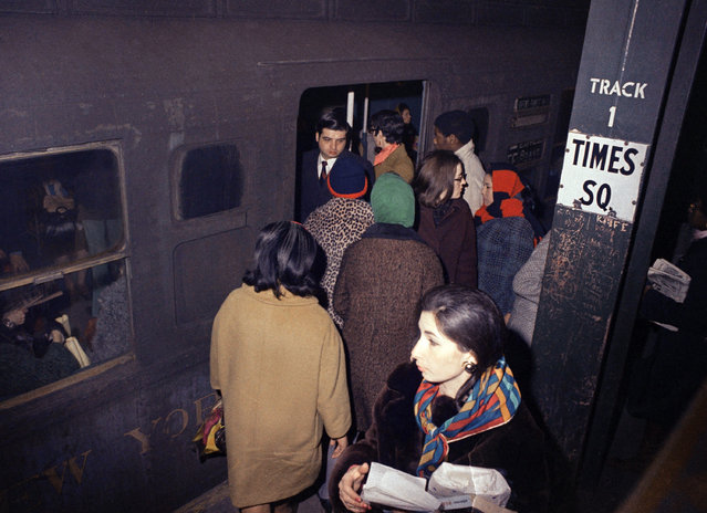 Subway crowds at Times Square Station in New York  March 4, 1970. (Photo by Anthony Camerano/AP Photo)