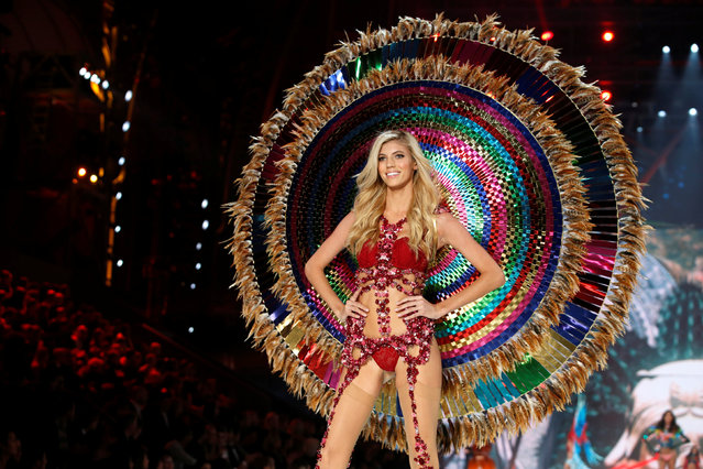 Model Devon Windsor presents a creation during the 2016 Victoria's Secret Fashion Show at the Grand Palais in Paris, France, November 30, 2016. (Photo by Charles Platiau/Reuters)