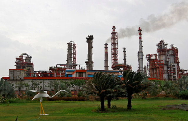 An oil refinery of Essar Oil, which runs India's second biggest private sector refinery, is pictured in Vadinar in the western state of Gujarat, India, October 4, 2016. (Photo by Amit Dave/Reuters)